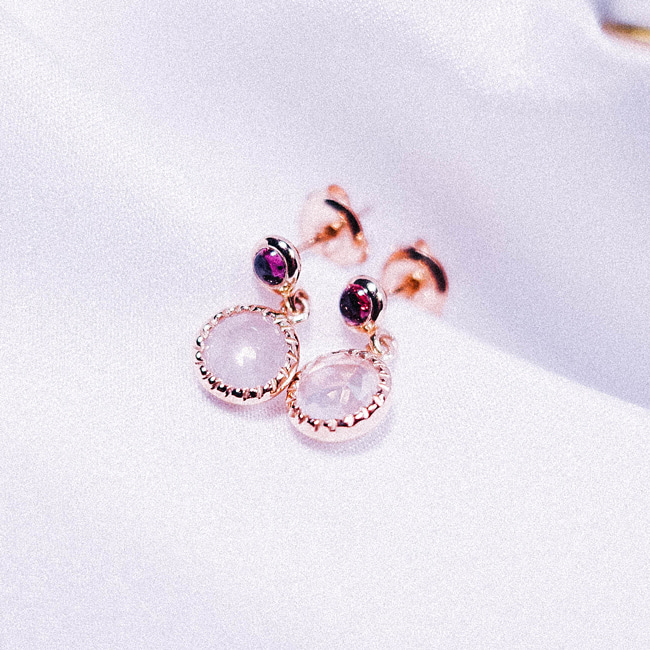 1.Garnet + Rose Quartz Earring