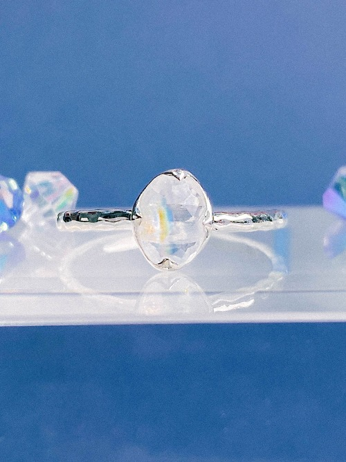 [Silver 925] Rainbow Moonstone Shield Ring