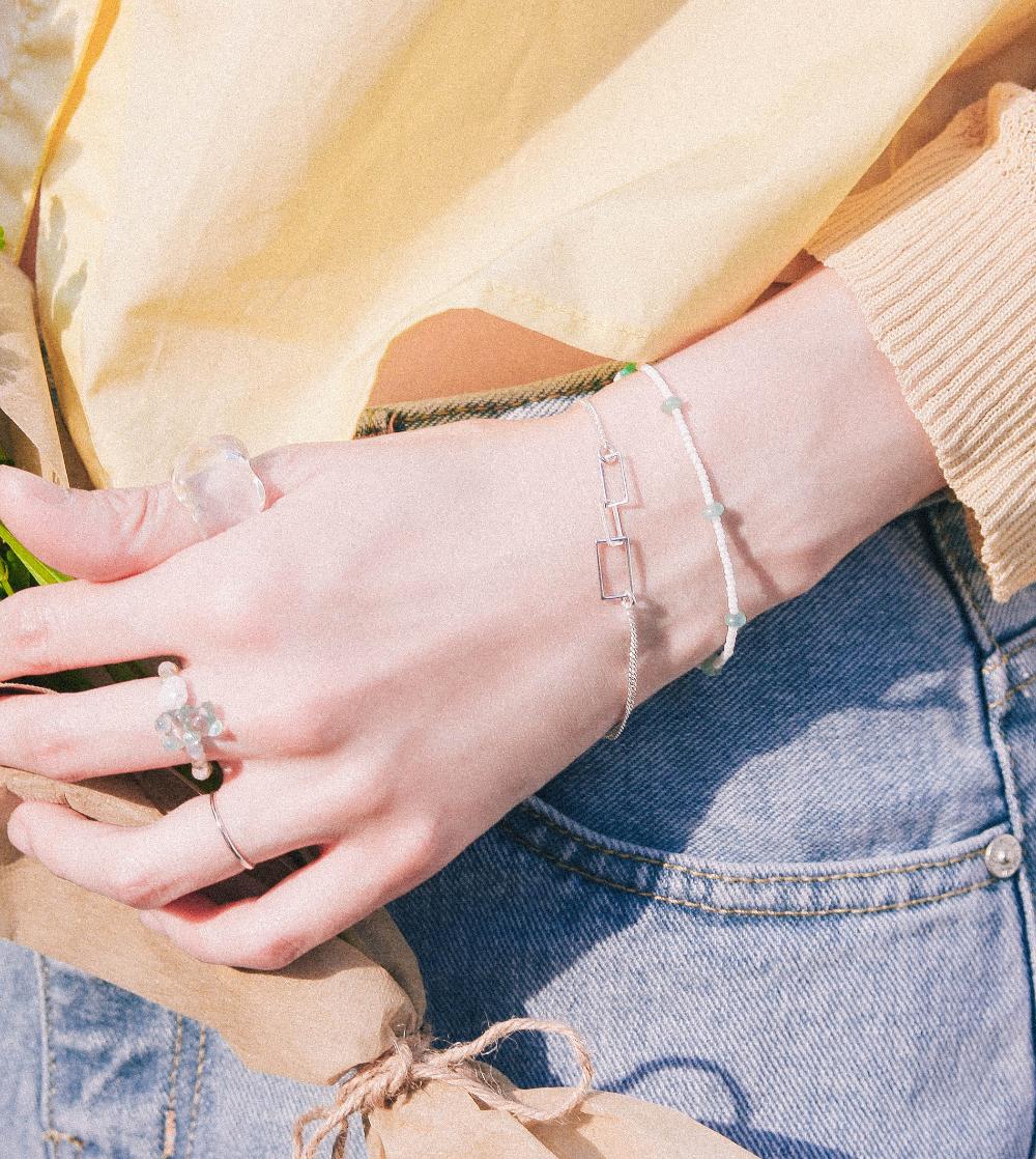 gloves detail image-S1L10
